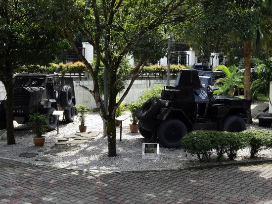Royal Malaysia Police Museum : Tanks and stuff on the grounds around the museum