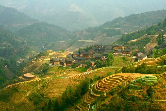 LongJi Terraces Tian ranju Inn: Tiantou village is located in the top of a hill