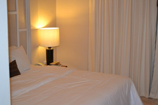 Patong Premier Resort: Bedside view