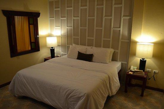 Patong Premier Resort: Bedroom view