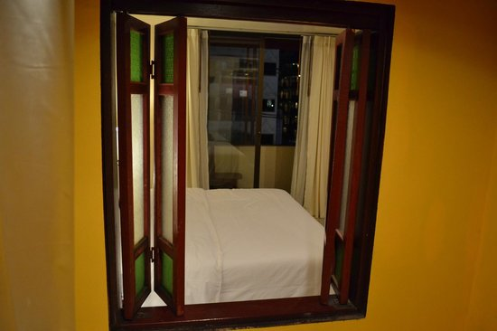Patong Premier Resort: Bathroom view