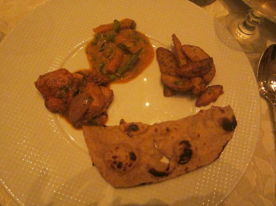 Taj Falaknuma Palace: Nizami Handi, Potato Wedges
