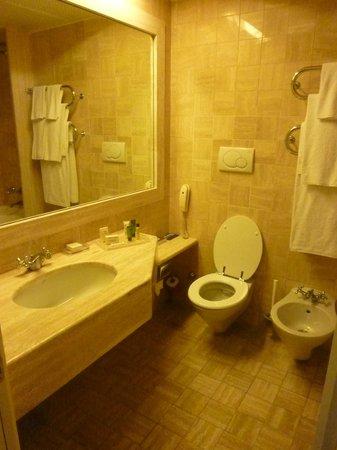Hilton Rome Airport Hotel: Il bagno