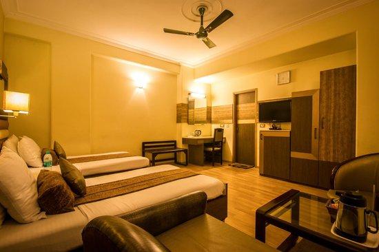 Suncourt Hotel Yatri: Twin Room