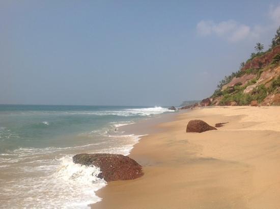 Villa Jacaranda : down to the beach