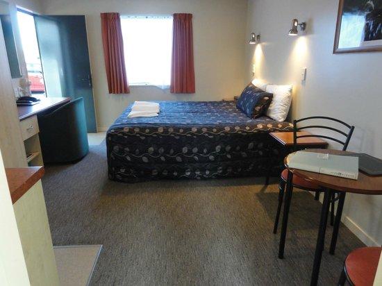 Bella Vista Motel: 一人旅ですのでダブルベッドにしました