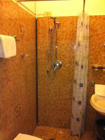 Hotel Ritz: La doccia 4 stelle