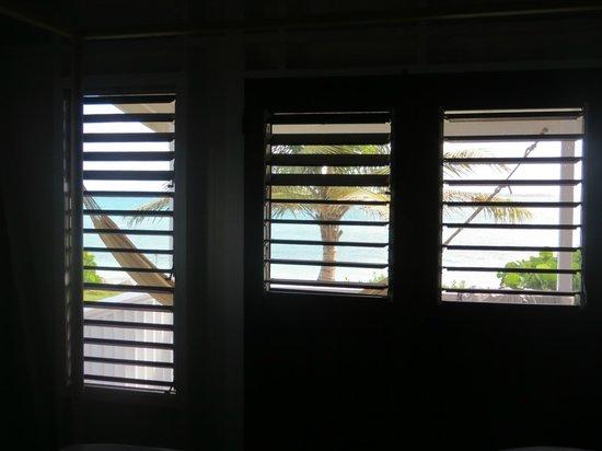 Dutchman's Bay Cottages: Bedroom view