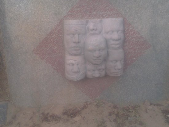 Laongo Sculpture Symposium : on nous regarde
