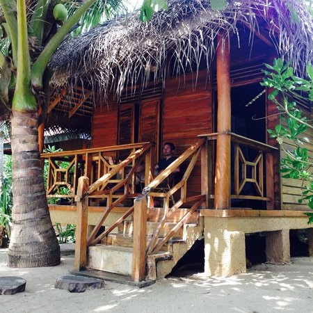Ganesh Garden Beach Cabanas : Wooden Beach cabana