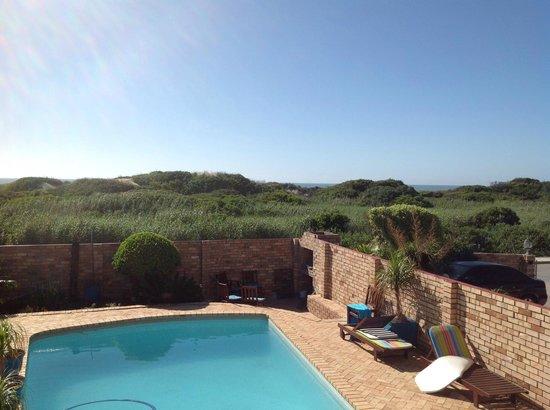Bluewater Beachfront Guest House: Blick v.Balkon
