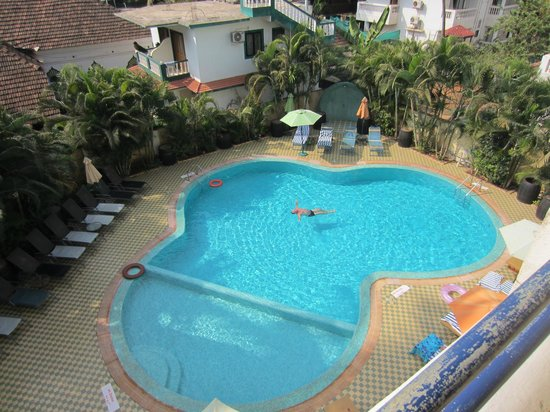 Lambana Resort : Pool view from room 202. Our beds in the corner.