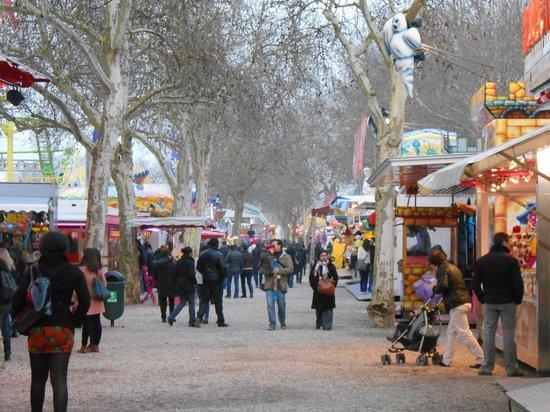 Esplanade des Quinconces : Passeio pela praça