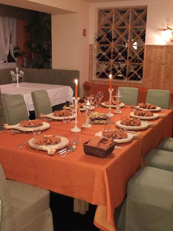 Hotel Olympia: gli arredi in tavola 4