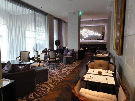Hotel Schweizerhof Bern & THE SPA: カフェラウンジ