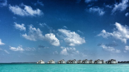 Six Senses Laamu : This is the view from my bed on the lagoon!