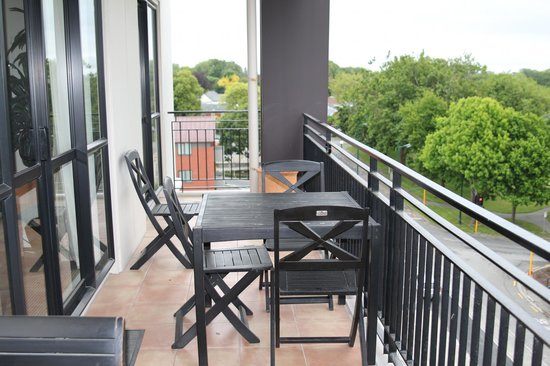 West Fitzroy Apartments: View of the balcony
