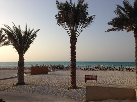 The St. Regis Saadiyat Island Resort: Beach access