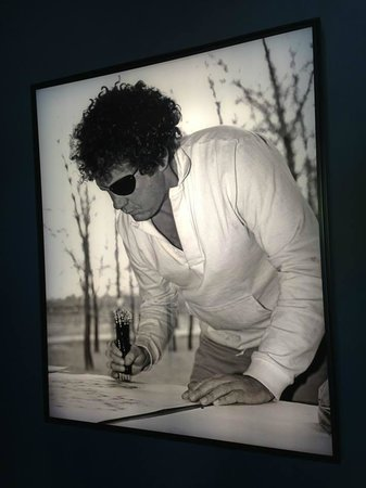 Chihuly Garden and Glass : This is Dale !