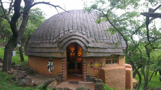 Shakaland: Het hutje