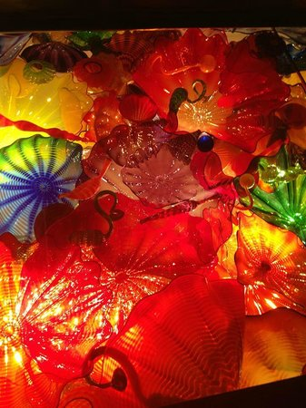 Glass meusum picture of chihuly garden and glass seattle tripadvisor for Chihuly garden and glass hours