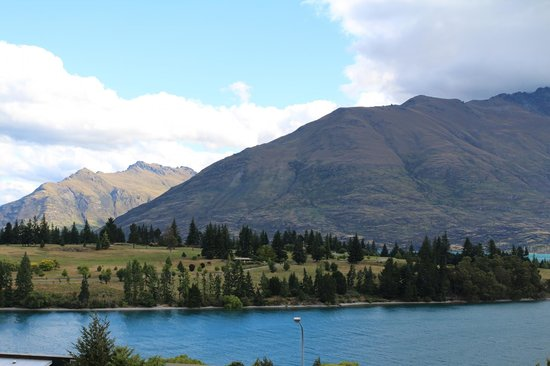 Copthorne Hotel and Resort Queenstown Lakefront : The Remarkables