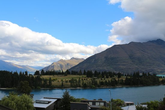 Copthorne Hotel and Resort Queenstown Lakefront : View from the Balcony