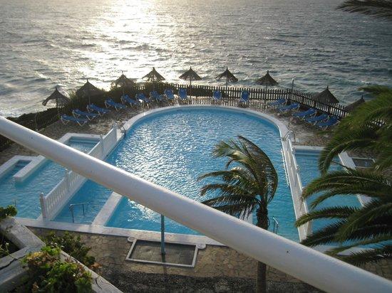 Sol La Palma Hotel: swimming pool view from junior suite