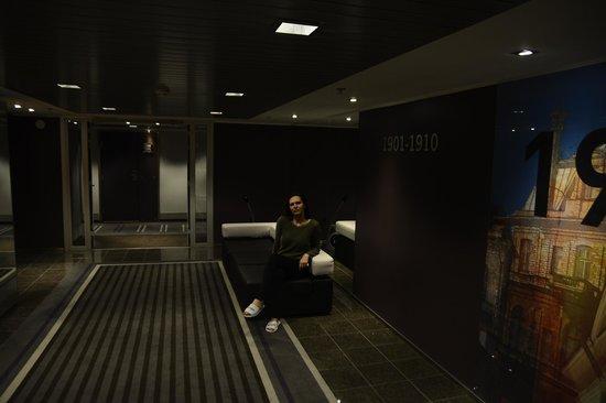 Radisson Blu Hotel Olumpia: Возле лифта