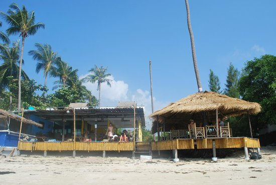 The Blue Parrot Beach Resort: le bar !