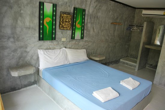 The Blue Parrot Beach Resort: la chambre