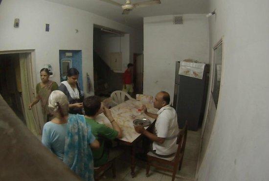 Blooming House: Le partage du repas