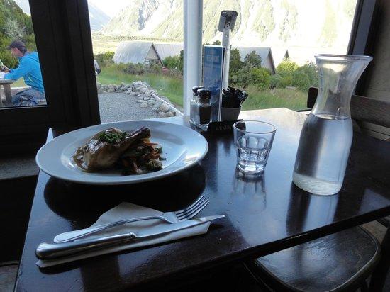 Old Mountaineers' Cafe, Bar and Restaurant : New Zealand Ribeye Steake  34.50ドルでした