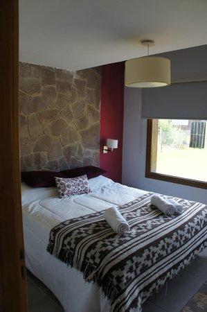 Kurtem Lodge: bedroom, unit 1