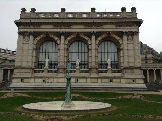 Palais Galliera, The City of Paris Fashion Museum: 3