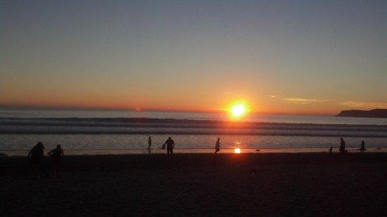 Coronado Municipal Beach: Sunset at Coronado
