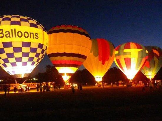 Bella Balloons Hot Air Balloon Co: Hot Air Balloon Glow