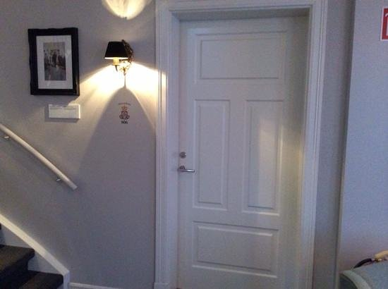Reykjavik Residence Suites: The Alexandrine suite
