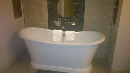 Osprey Hotel & Spa: bath
