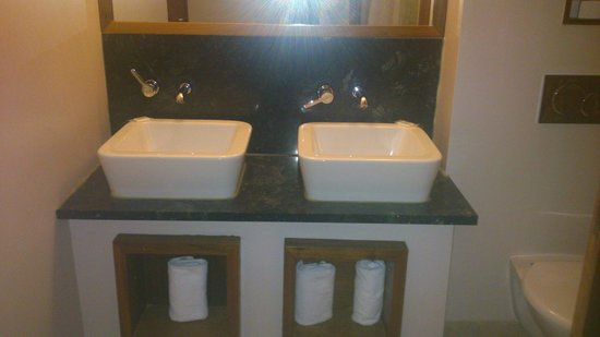 Osprey Hotel & Spa: sinks
