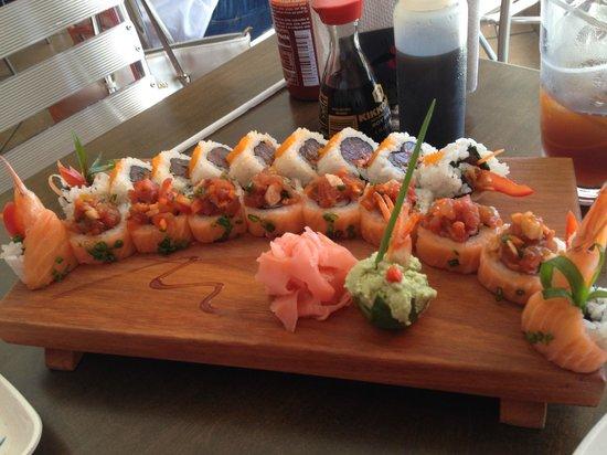 Mi Sushi : Spicy Tuna Roll / Vancouver Roll