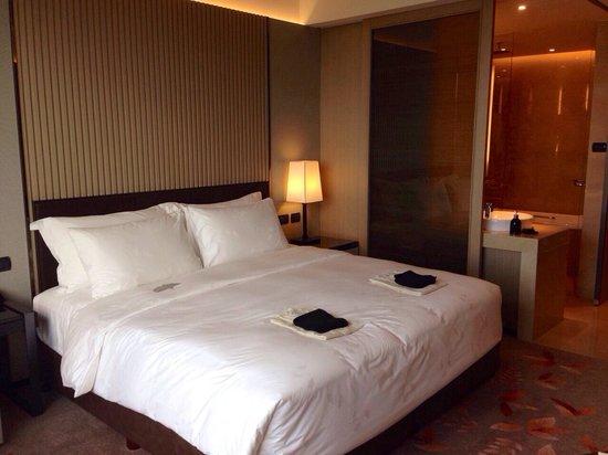 The Okura Prestige Bangkok : ベッドの寝心地もGood!