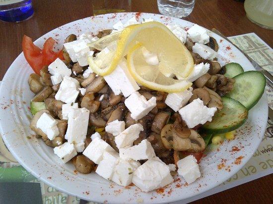 Aylak Madam: Çınar salatası