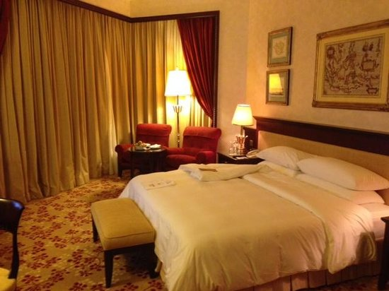 The Empire Hotel & Country Club: My suite