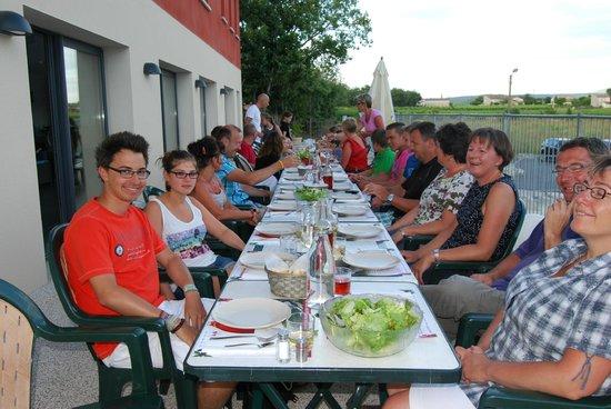 Rev'o Thijol Vacances: Retrouvailles autour d'un repas d'hôtes
