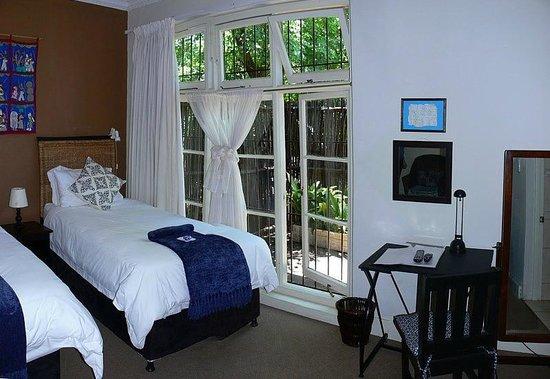 (OLD) Uxolo Guesthouse Johannesburg: Baobab Room - Nice!