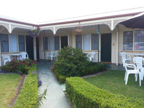Wintersun Gardens Motel : Corridor