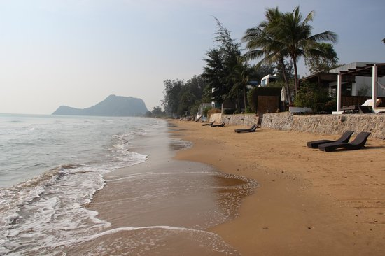 Aleenta Hua Hin Resort & Spa: The beach - honestly