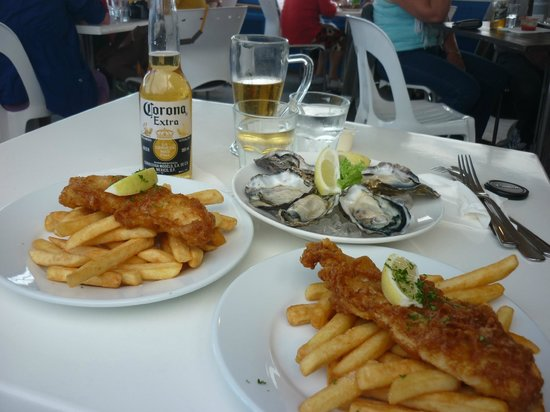 Shippey's: Yummy fish n chips, and super freash oysters!