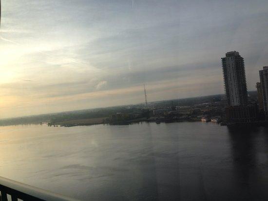 Hyatt Regency Jacksonville Riverfront: Sun rising :)